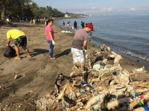 HAPI Junior does a coastal cleans-up in Bacolod